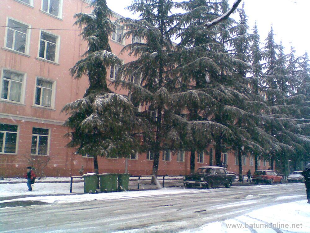 7-я школа в снегу