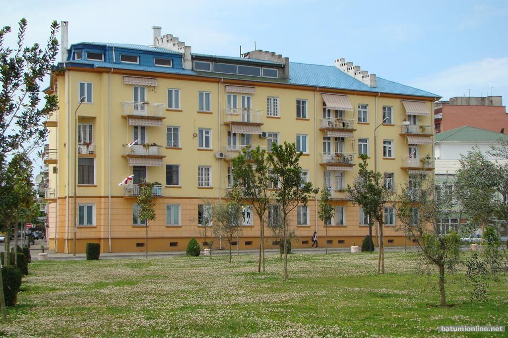 Дом, в котором жил А.Абашидзе