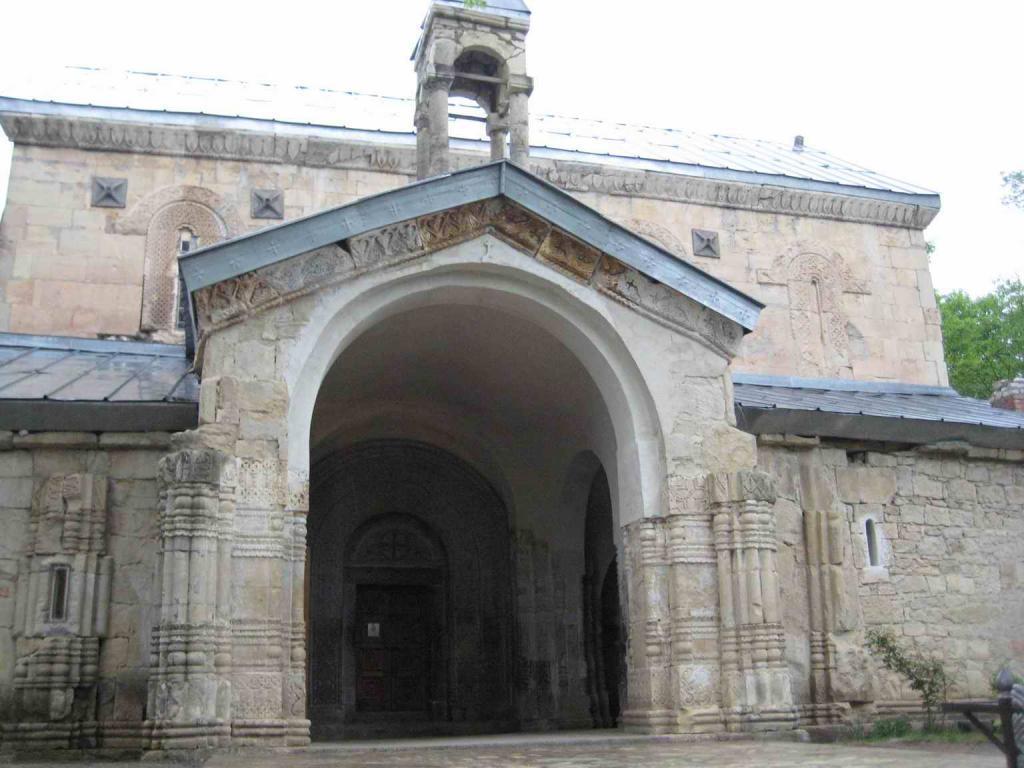 церковь возле музея