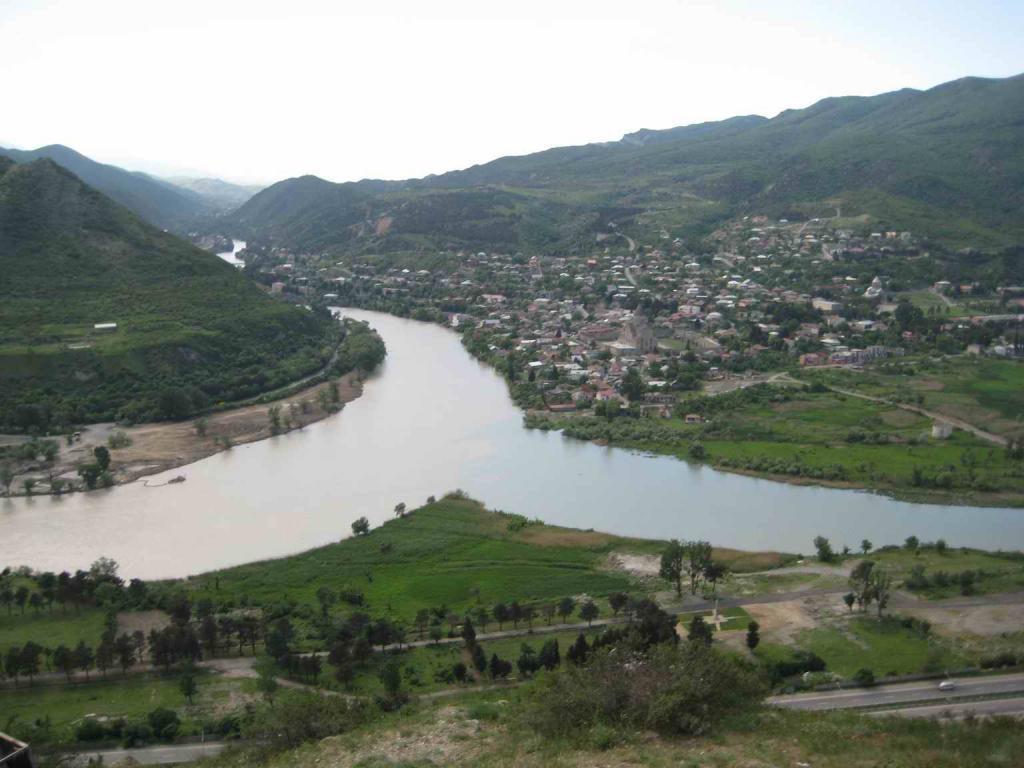 слияние двух рек - Кура и Арагви