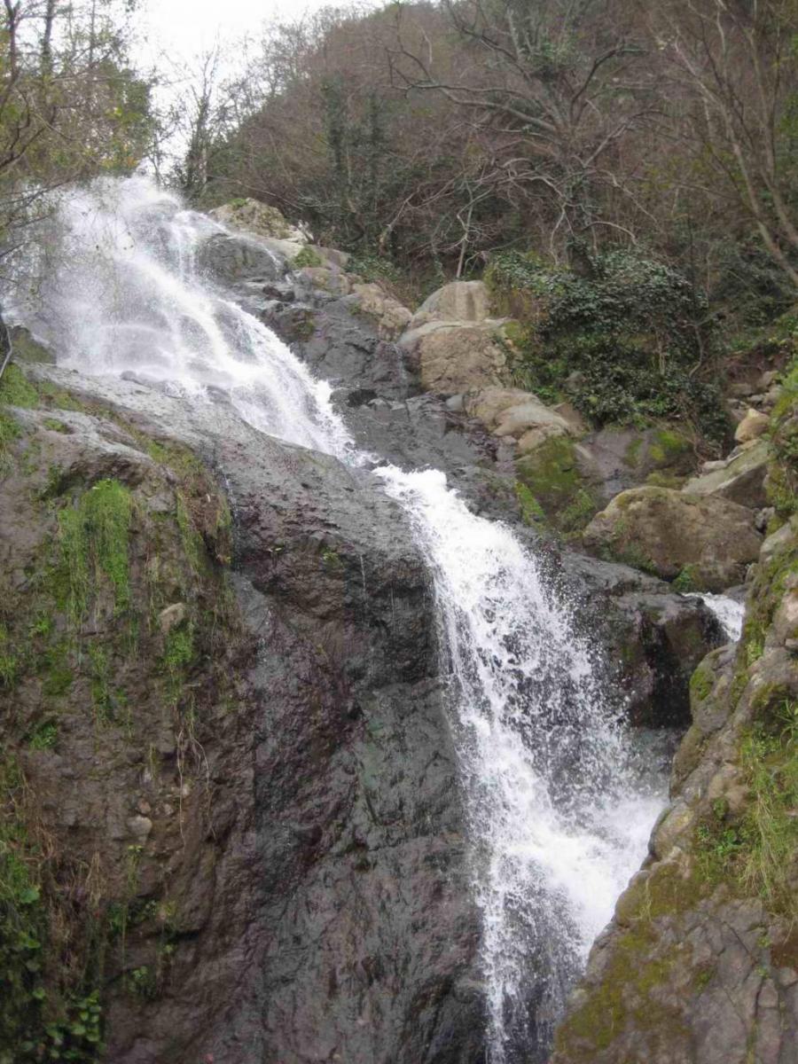 водопад на границе с турцией