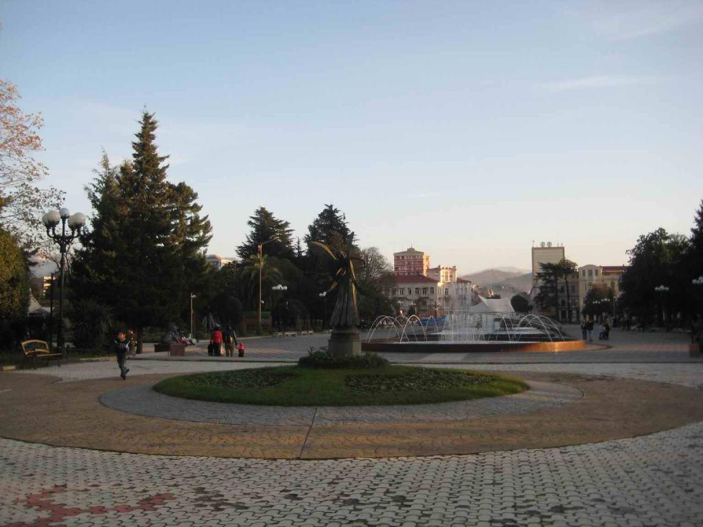 площадь с музыкальными фонтанами