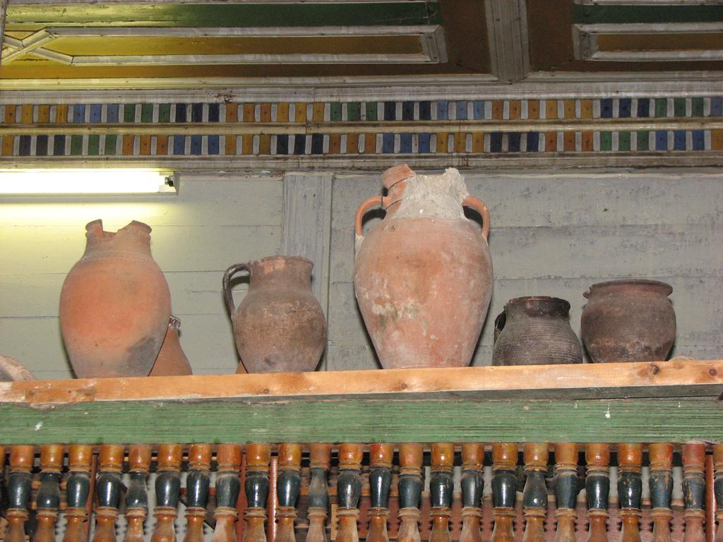 Кувшинчики, горшочки и прочая глиняная утварь