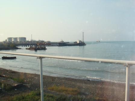 Мелкое море. Вид из рыбного ресторанчика.