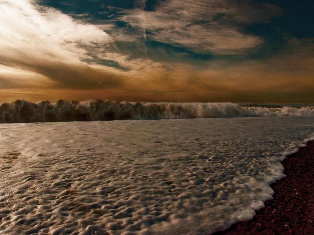 Кобулети, пляж