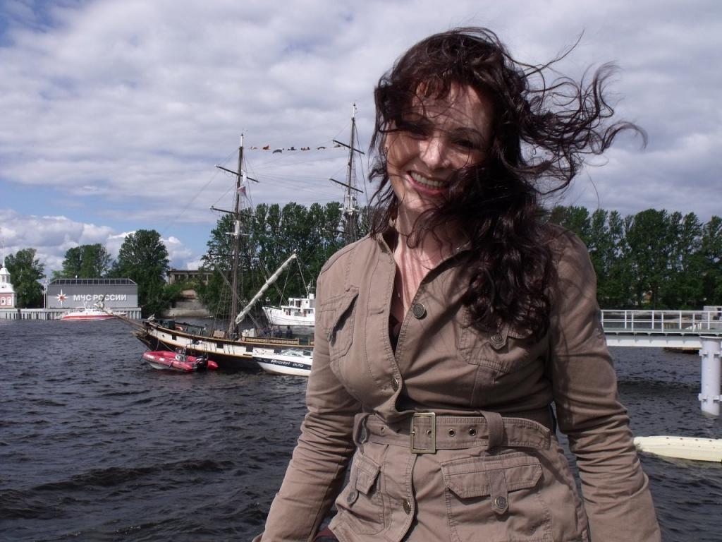 Гавань. Санкт-Петербург (июнь 2010).jpg