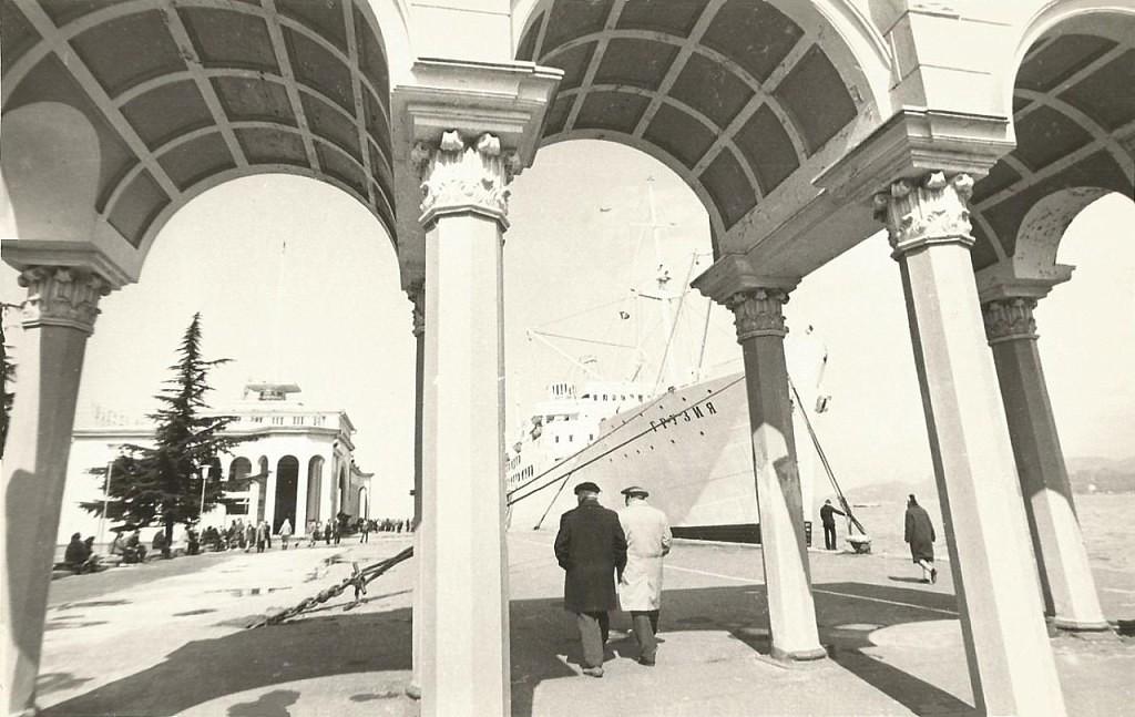 Батумъ Батуми ,мор.вокзал- вход в прошлом веке