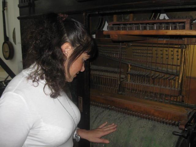Музей музыкальных инструментов в Тбилиси (октябрь 2011)