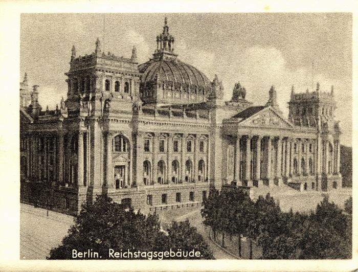 56950386 16 Berlin