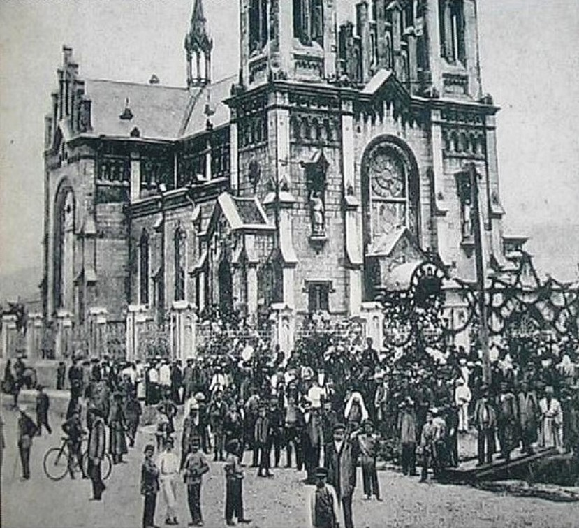 4056272143 b5f6ddbc63 Z         Батумъ Католический собор.Начало ХХ-го века.